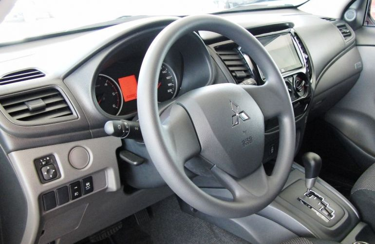 Mitsubishi L200 Triton Savana GLS 2.4 - Foto #6