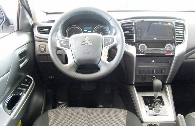 Mitsubishi L200 Triton Sport GLS 4WD 2.4 Td - Foto #7