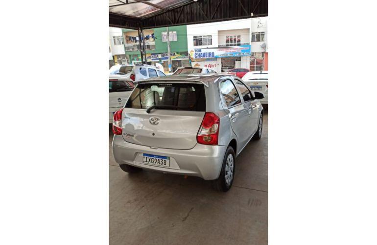 Toyota Etios 1.3 X - Foto #2
