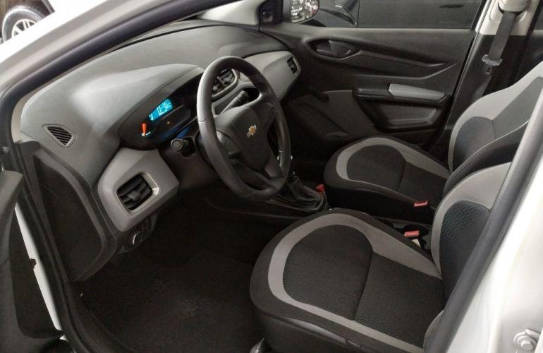 Chevrolet Onix 1.0 - Foto #7