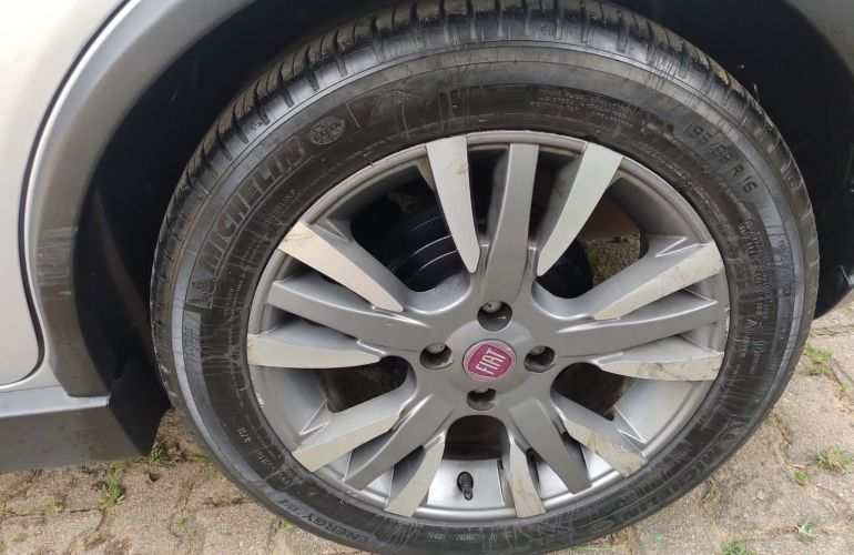 Fiat Palio Sporting 1.6 16V Dualogic (Flex) - Foto #5