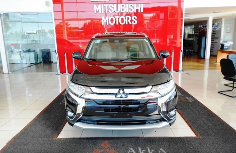 Mitsubishi Outlander Hpe-s 3.0 Awd - Foto #2