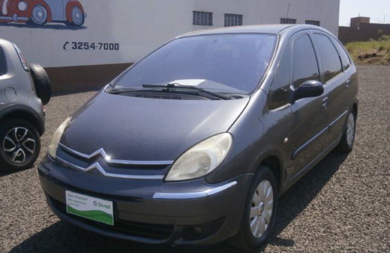 Citroën Xsara Picasso Exclusive 2.0 16V - Foto #1