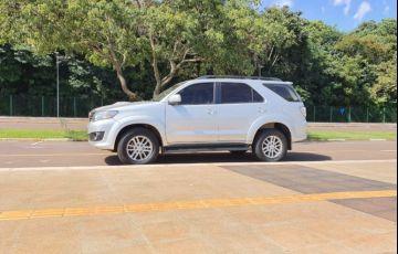 Toyota Hilux SW4 SRV 4x4 3.0 Turbo  (aut) - Foto #2