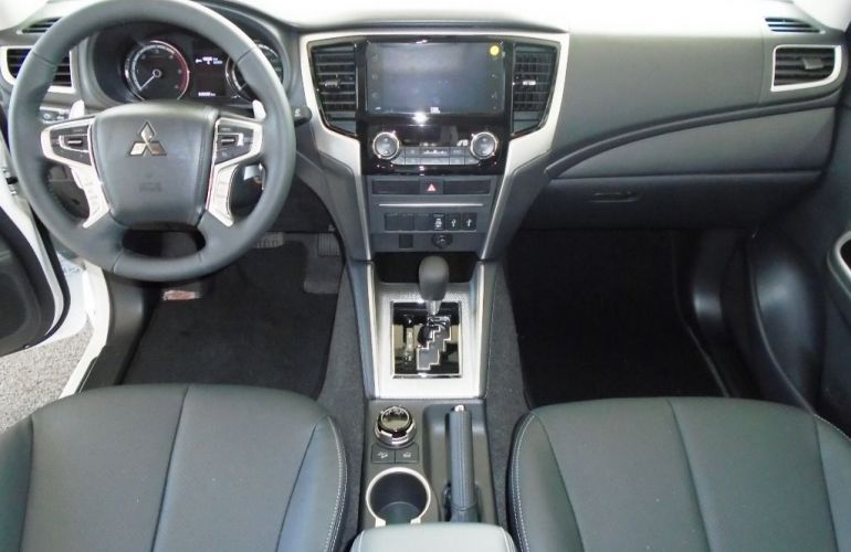Mitsubishi L200 Triton Sport Hpe 2.4 4x4 - Foto #3