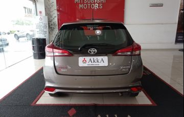 Toyota Yaris Xls 1.5 Flex 16V 5p - Foto #10