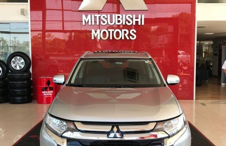 Mitsubishi Outlander Comfort 2.0  16v - Foto #2