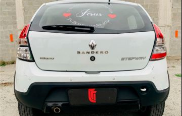 Renault Sandero 1.6 Stepway 16V Flex 4p Automático - Foto #4