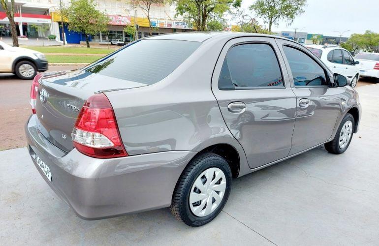 Toyota Etios Sedan X 1.5 (Flex) (Aut) - Foto #4