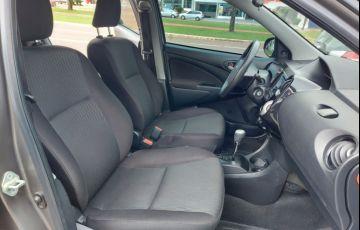Toyota Etios Sedan X 1.5 (Flex) (Aut) - Foto #6