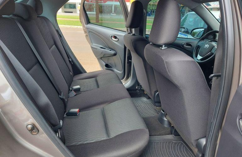 Toyota Etios Sedan X 1.5 (Flex) (Aut) - Foto #7