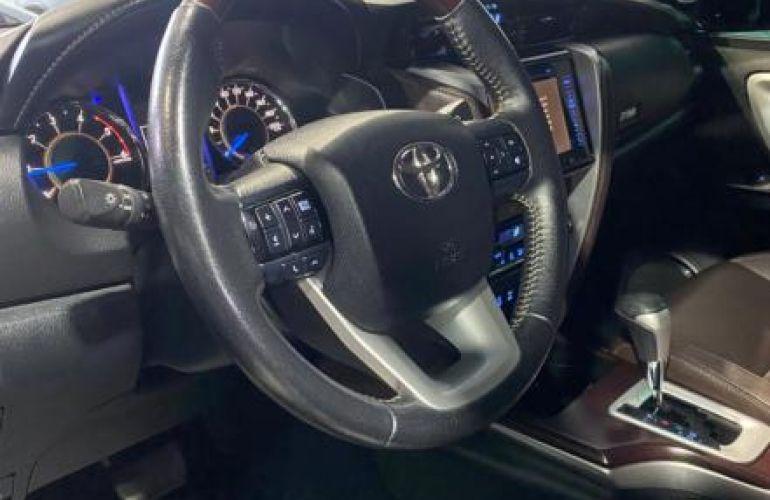 Toyota Sw4 Srx 4x4 2.8 TDi 16V Dies. Aut - Foto #2