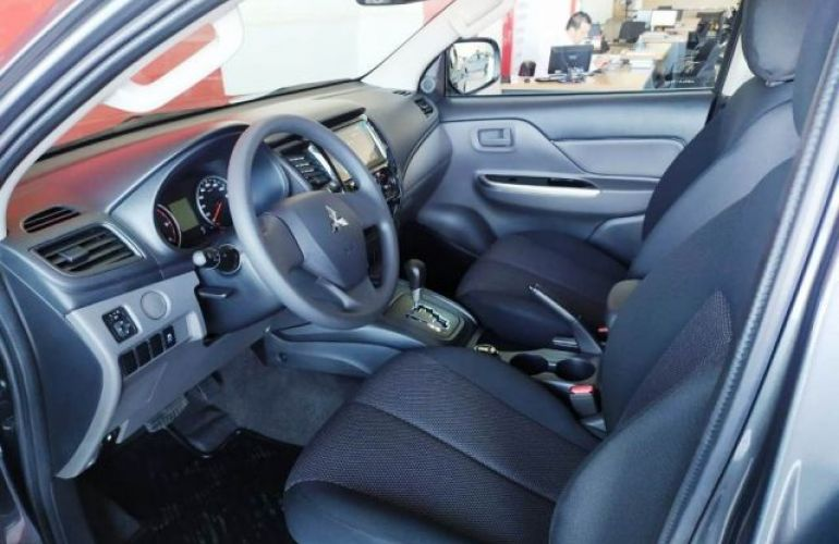 Mitsubishi L200 Triton Outdoor GLS 2.4 - Foto #9
