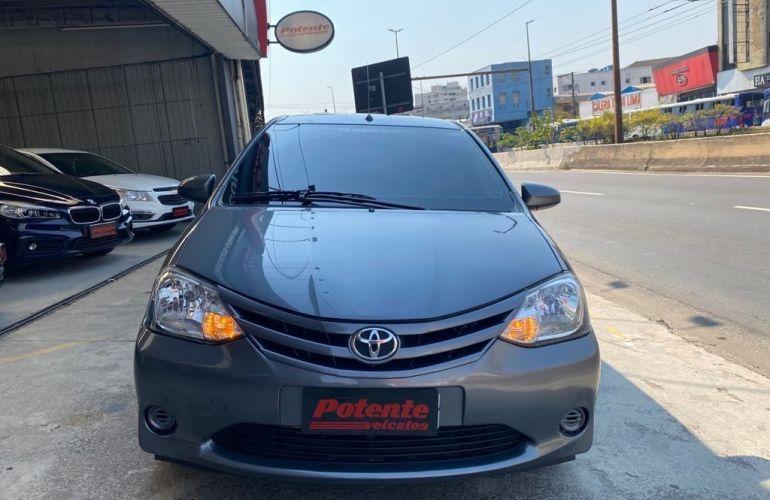Toyota Etios X 1.3 16V Flex - Foto #1