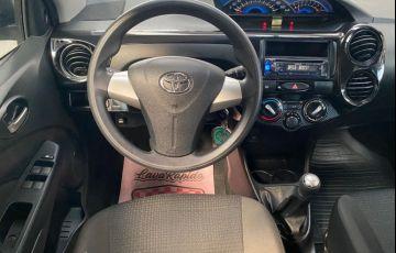 Toyota Etios X 1.3 16V Flex - Foto #9