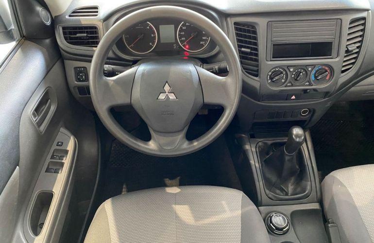 Mitsubishi L200 Triton Sport GL 2.4 - Foto #5