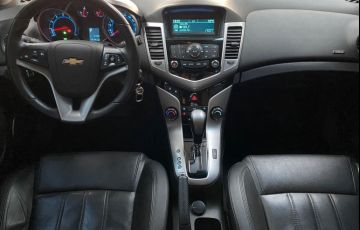 Chevrolet Cruze Sport6 LT 1.8 16v - Foto #4