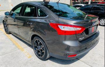 Ford Focus 2.0 Titanium Sedan 16V Flex 4p Powershift - Foto #8