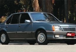 Clássico: Chevrolet Monza - O queridinho do Brasil