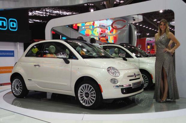 Salão de SP: Fiat aposta no 500 e traz Ferrari para seu estande