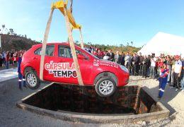 JAC inaugura pedra fundamental e enterra carro em Camaçari