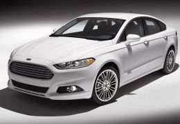 """Ford Fusion recebe prêmio """"Carro verde do ano"""" em Los Angeles"""