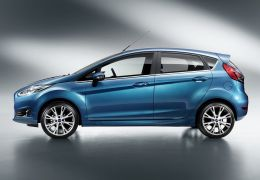 Ford New Fiesta e Nissan Altima