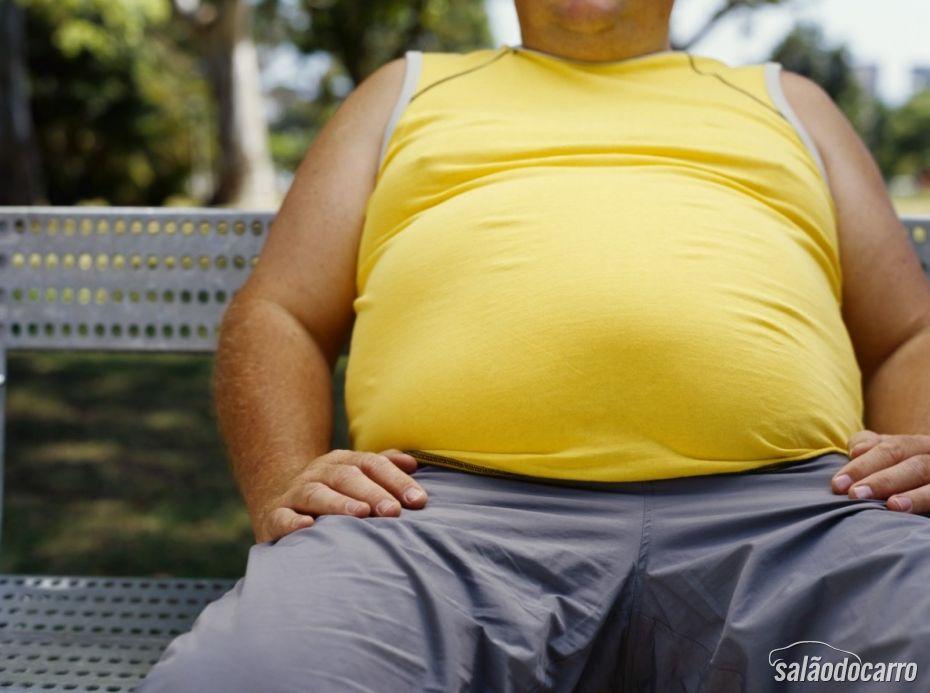 Obesos correm mais risco de morte em acidentes de carro