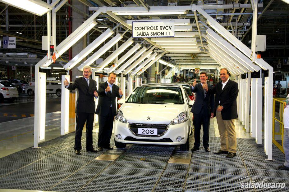 Peugeot 208 começa a ser produzido no Brasil