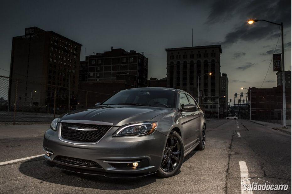 Chrysler terá edição especial do sedã 200 S