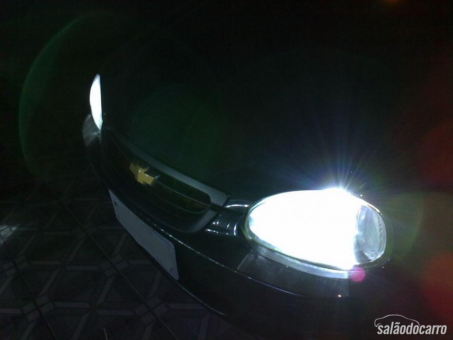 Fique atento as luzes do seu carro