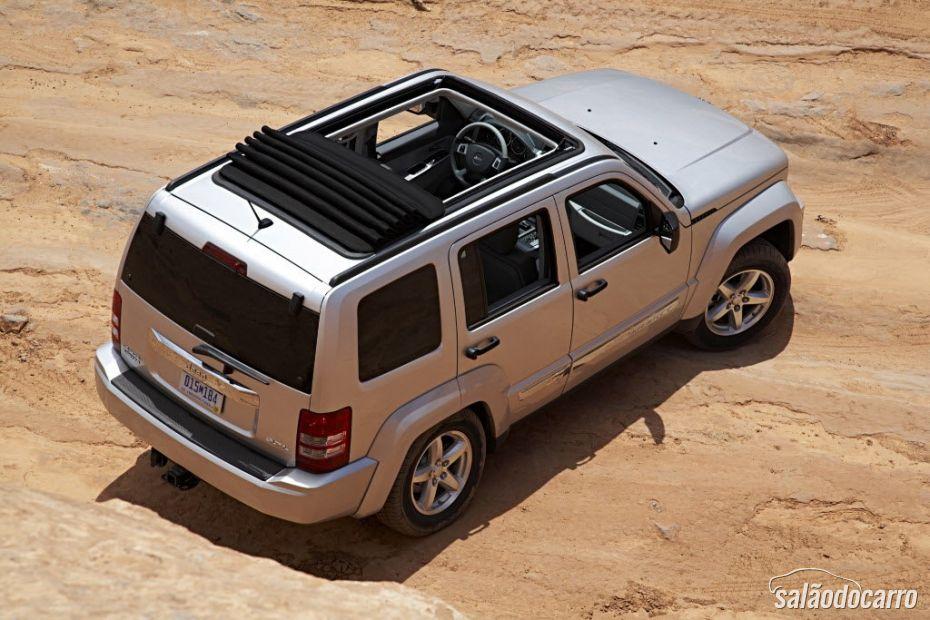 Chrysler faz recall em 30 mil SUVs no exterior