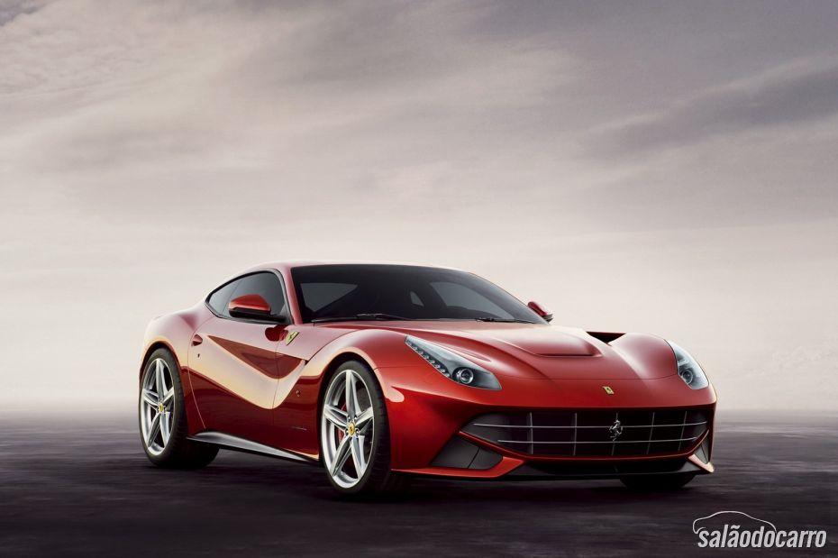 Ferrari F12berlinetta chega ao Brasil