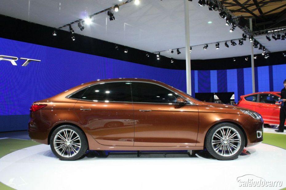 Ford apresenta novo Escort em Xangai