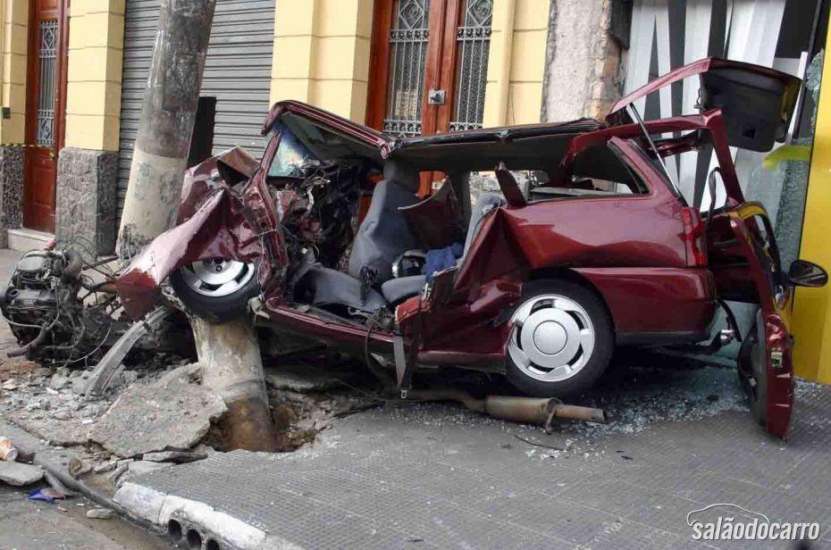 Especialistas apontam carro brasileiro como menos seguro