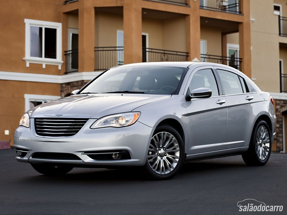 Chrysler chama 512 mil unidades