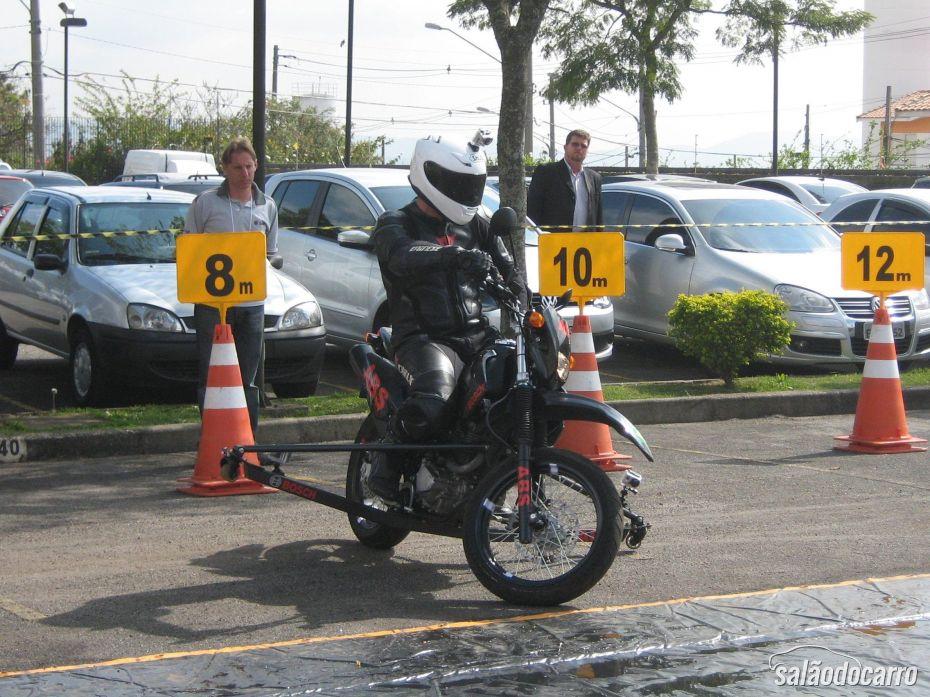 Freios ABS podem salvar vidas de motociclistas