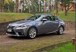 Primeiras impressões do Lexus IS