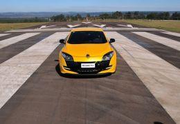 Renault Megane R.S. é apresentado no Brasil; confira os detalhes!