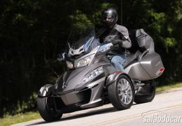 BRP lança Can-Am Spyder RT 2014