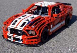 Mustang Shelby é recriado com peças de Lego