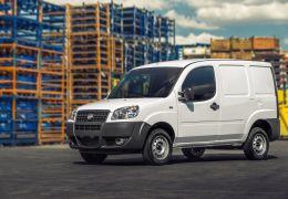 Fiat lança linha 2014 do furgão Doblò