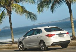 Teste do Citroën C4 Lounge 2.0 Tendance