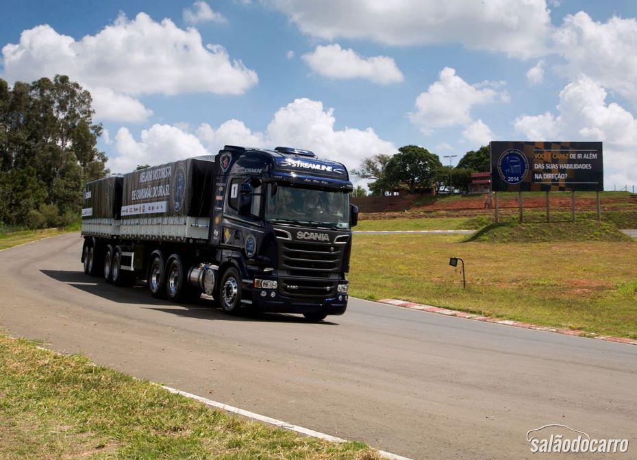 Scania tenta conquistar caminhoneiros com disputa do torneio O Melhor Motorista de Caminhão do Brasil