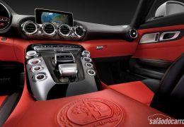 Mercedes-Benz mostra imagens do interior do AMG GT