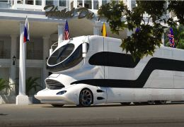 "EleMMent Palazzo, ""motorhome"" construído pela empresa austríaca Marchi Mobile"