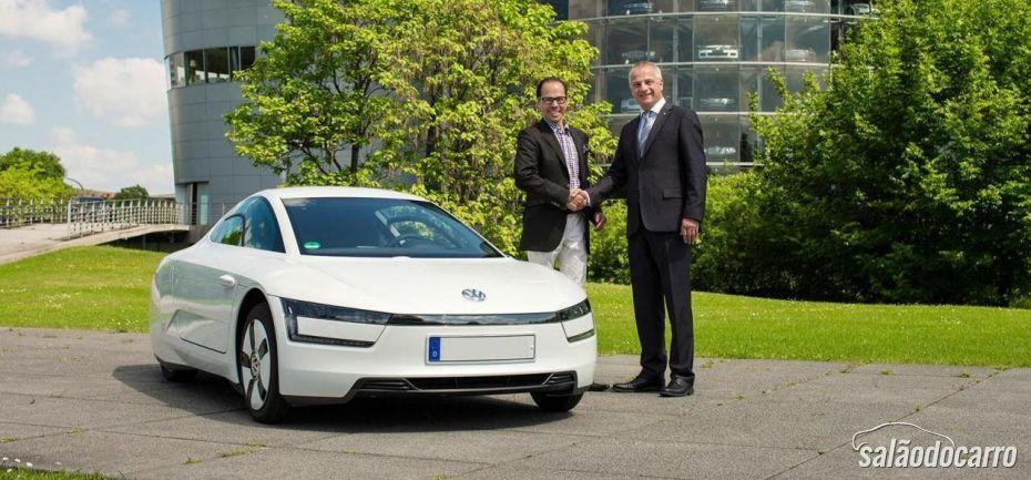 Primeira unidade da XL1 é entregue pela Volkswagen