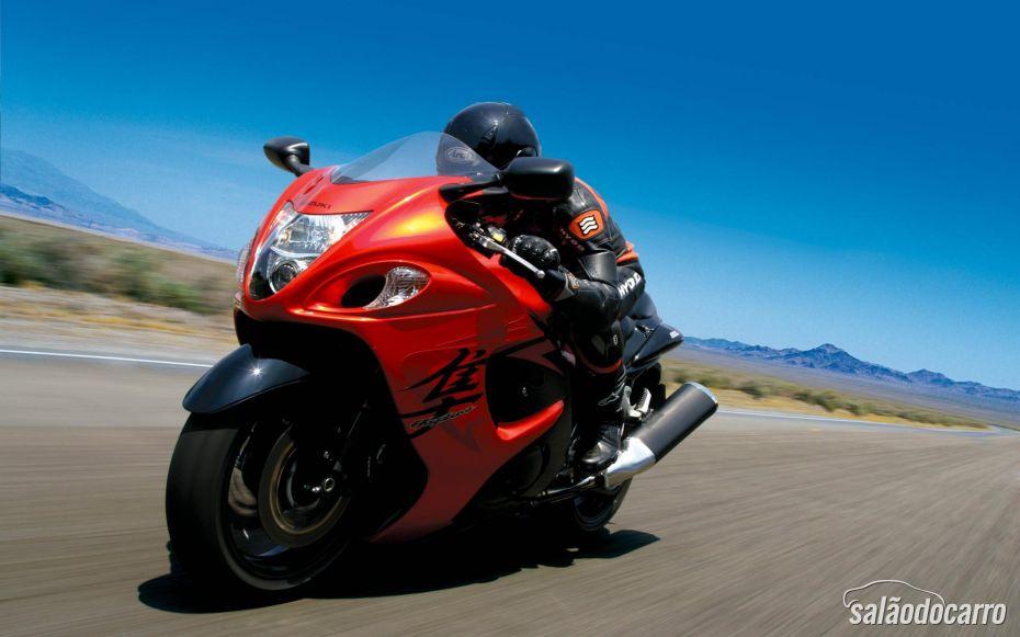 Suzuki lança Hayabusa vermelha nos Estados Unidos