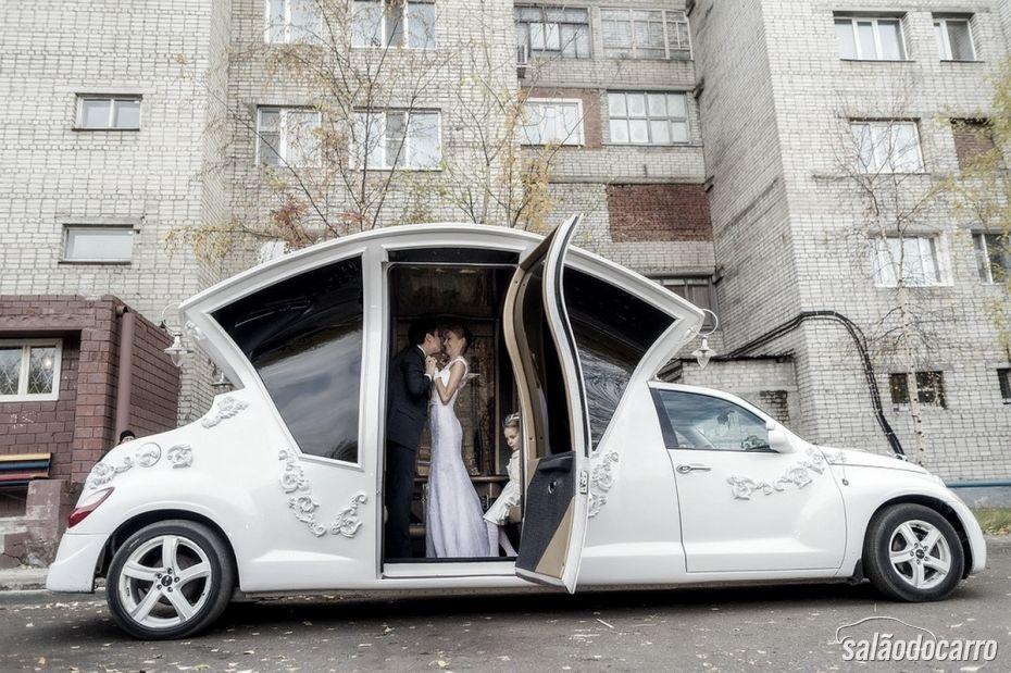 Conheça uma estranha Limusine projetada para casamentos