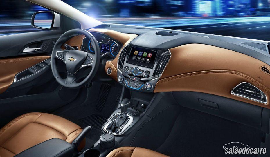 Novo Chevrolet Cruze tem interior revelado